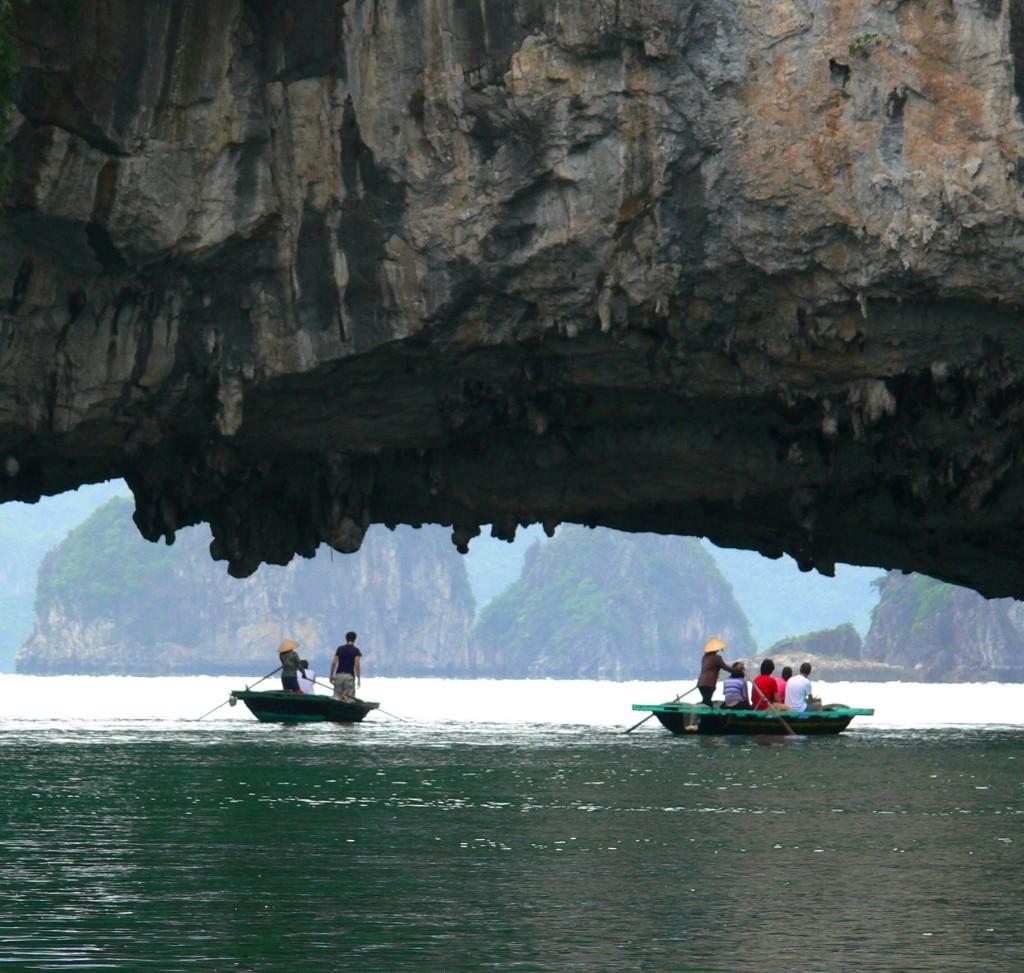 halong bay rowing 2