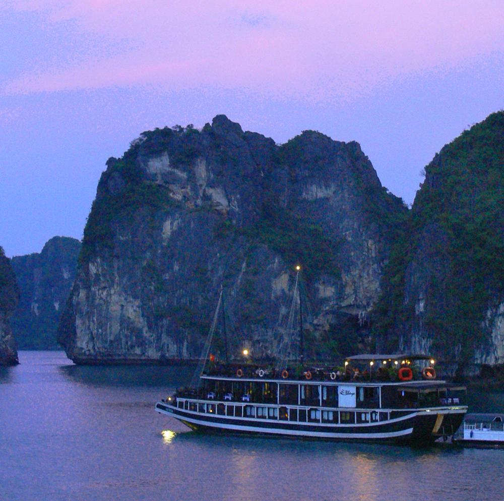 bhaya ship sunset