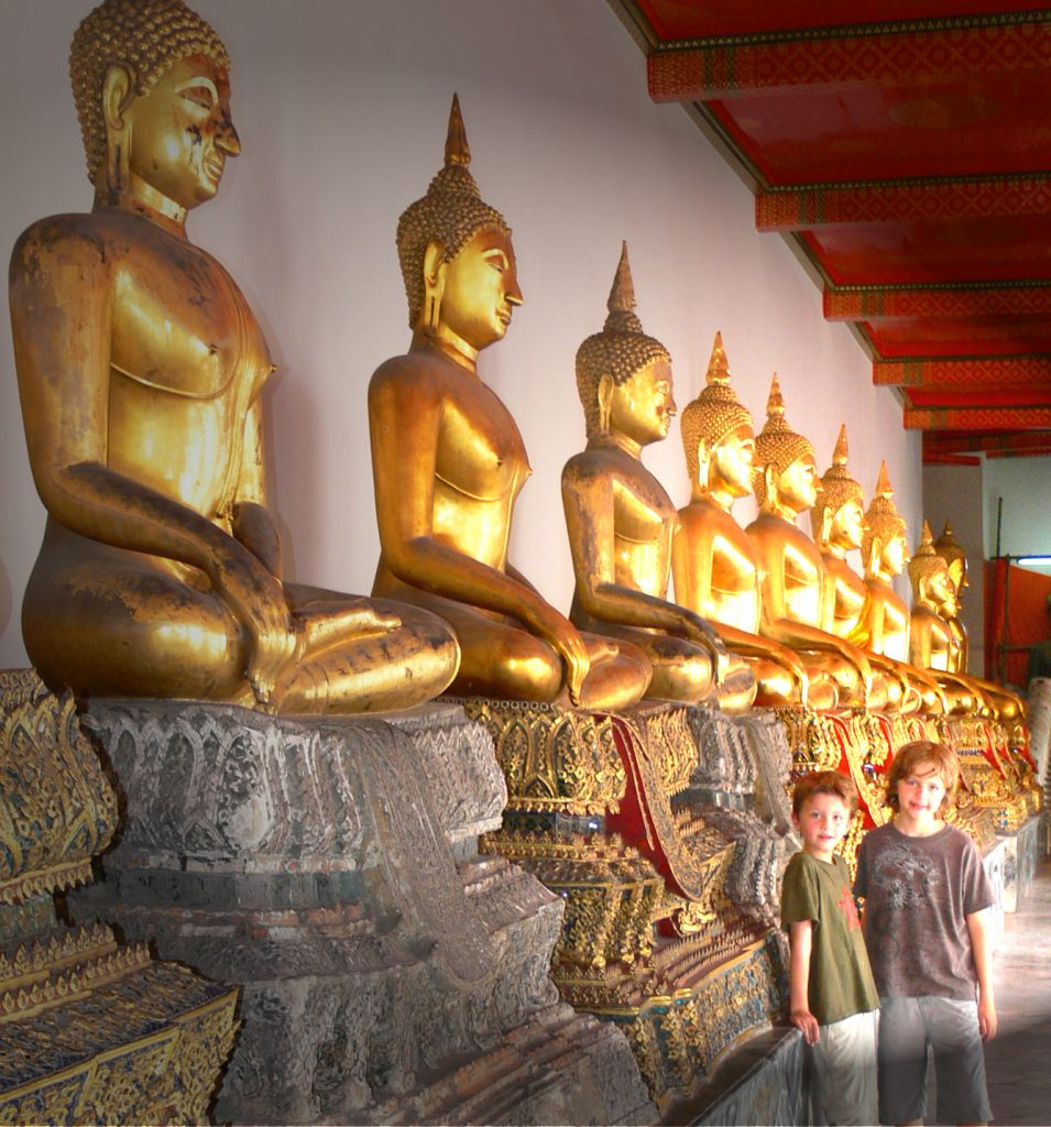 Hall of 1000 Buddhas, Wat Pho, Bangkok, Thailand